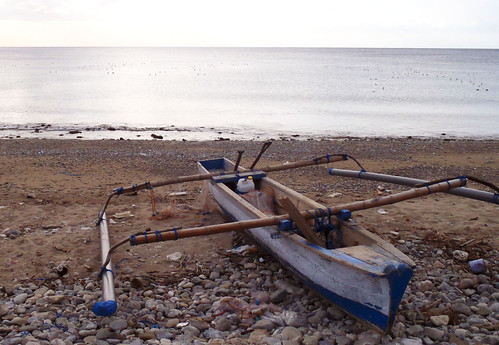A fishing canoe in Timor Leste. Photo by Jharendu Pant, 2011