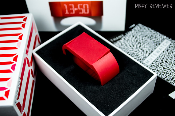 Unboxing Mutewatch, the touchscreen watch