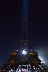 Feu d'artifice du 14 juillet - Tour Eiffel (Jean-Phi92) Tags: paris france tower canon ledefrance tour fireworks 14 july eiffel champdemars 7d juillet 2012 feudartifice sigma1020mmf35