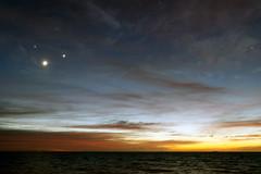Luna, Júpiter, Venus y Albedarán - Moon, Jupiter, Venus & Aldebaran (Sebapol) Tags: morning sky moon sunrise river dawn star venus nightscape events horizon astrophotography planet planets astronomy jupiter taurus pleiades aldebaran skywatch hyades twilightscape july2012 july152012 20120715