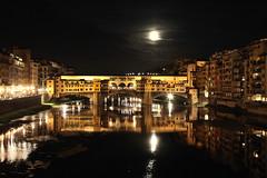 PONTEVECCHIO BY NIGHT (Pogliani Stefano) Tags: canon eos italia mark fiume luna ii 5d firenze arno toscana notte pontevecchio stefano notturno ponti notturni pogliani