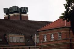 St. Nikolaus-Kirchturm (Rdiger Stehn) Tags: opernhaus kieleropernhaus rathaus altesrathaus sakralbau profanbau bauwerk turm kirchturm kirche stnikolauskirche kiel kielvorstadt stadt dach dcher architektur