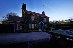 Parkhead Locks, Dudley 23/04/2016 (Gary S. Crutchley) Tags: dudley parkhead uk great britain england united kingdom urban black country blackcountry west midlands westmidlands nikon d800 history heritage travel canal navigation cut inland waterway bcn lock keepers house cottage locks