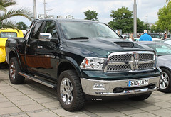 Quad Cab Ram (Schwanzus_Longus) Tags: bremen dodge ram 1500 quad cab pickup pick up truck america american black car engine flatbed german germany powerful ride strong us usa vehicle fahrzeug auto laster outdoor new modern hemi