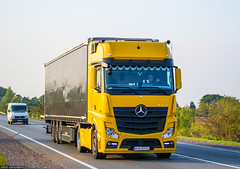 MB Actros 1845 MP4 GigaSpace (PL) (almostkenny) Tags: lkw truck camion ciarwka mb mercedesbenz actros 1845 mp4 mpiv gigaspace pl polska poland wgm00962