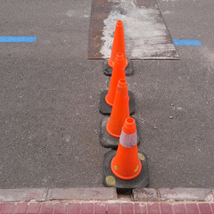 es mercadal (the incredible how (intermitten.t)) Tags: menorca espaa balearicislands baleares illesbalears minorca esmercadal roadworks cones smallcones blue red orange road tarmac 20151002 3137 espaa