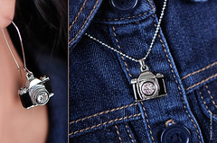 (Fahad Al-Robah) Tags: camera blue set lens necklace women photographer propaganda photographers ring announcement products accessories earrings