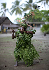 Langania village, Malagan dance , New Ireland (Eric Lafforgue) Tags: culture tradition tribal tribetribu oceanie papuanewguinea papouasienouvelleguinee png oceania island danseur dancer danse dance vegetal png0671 巴布亞紐幾內亞 巴布亚纽几内亚 巴布亞新幾內亞 巴布亚新几内亚 paapuauusguinea papoeanieuwguinea παπούανέαγουινέα papouasienouvelleguinée papuaneuguinea ปาปัวนิวกินี papuanovaguiné papuásianovaguiné papuanováguinea папуановагвинеја папуановагвинея папуановаягвинея papuanowagwinea papúanuevaguinea papuanugini papuaniugini papuanuovaguinea papuanyaguinea papuanyguinea 파푸아뉴기니 パプアニューギニア