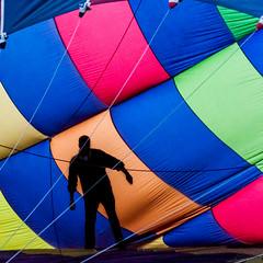 Colors (Luziferian) Tags: man guy colors silhouette colours hotairballoon kiel highiso kielerwoche kielweek ballonglühen canoneos500d luziferian marcobergner