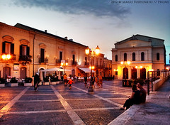 Cerignola - Piazza Matteotti Illuminata (Mario Fortunato) Tags: street city light sunset people lamp night teatro person lights pub tramonto nights luci notte luce teatre lampione cerignola scloud