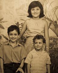Brothers and Sisters (WalterVargas.me) Tags: old walter familia children yo families nios vargas hermanos johan familiy karina viejas dorthy isaza jibo