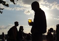 cheers! (NoDurians) Tags: street people urban beer silhouette backlight candid streetphoto bier lager backlighting