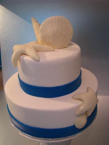Simple and elegant Beach Theme wedding cake