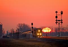 NS 15E, NS Fostoria District, Townwood, Ohio (monon738) Tags: railroad ohio closeup train pentax engine railway 300mm unionpacific locomotive freighttrain railfanning railroadsignal diesellocomotive poleline nickelplaterailroad k20d smcpda55300mmf458ed nsfostoriadistrict bracketmastsignal ns15e townwoodohio