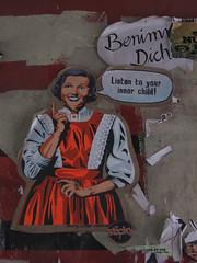 Benimm Dich (el rafa*) Tags: street streetart art love child hamburg inner hood listen amburgo dich schanze schanzenviertel quartiere schulterblatt benimm giugno2012 welovebeerblatt beerblatt