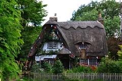 Houghton, Picture Book Cottage. (Sunchild57) Tags: houghton thatchedcottage chocolateboxcottage