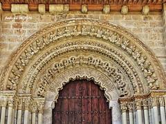 Toro (Zamora) 08 Prtico de la colegiata.  IMPRESCINDIBLE, CON ZOOM (ferlomu) Tags: iglesia escultura musica toro zamora romanico capitel canecillo ferlomu