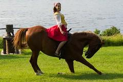 "Cirque - ""La Luna Caballera"" - Les filles de la fort - Site de la Nouvelle France (eburriel) Tags: cirque cheval horse chevaux questre luna caballera 2016 nikon d610 christina"