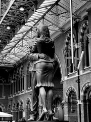 P8180156 (Latent Memory) Tags: statue station st pancras bnw kiss