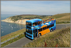 4643, Alum Bay (Jason 87030) Tags: leyland olympian iow isleofwight island needles breezer alumbay sea ocean coast boats view scene nice lovely summer holiday august 2016 4643 southernvectis sandles hill climb walk chalk sand k743odl dda rules complaine transport opentop toplss deck doubledecker converted tourists tourism attraction