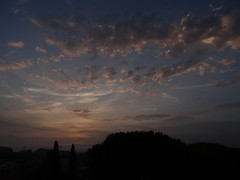 Cloudy morning (Hlne_D) Tags: hlned france provencealpesctedazur provence paca alpesdehauteprovence ahp manosque alpes alps montagne mountain leverdesoleil sunrise aube dawn cloud nuage