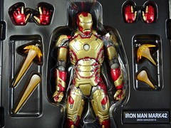 Kaiyodo  Sci-Fi Revoltech  Series No. 049  Iron Man 3  Iron Man Mark XLII  Close Up (My Toy Museum) Tags: kaiyodo revoltech sci fi iron man mark mk 42 xlii action figure