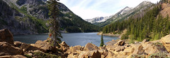 Eightmile_Lk_Caroline (7) (Go4Hike) Tags: eightmilelake lakecarolinetrail hiking hikingwashington washingtonhiking autumnhiking fallhiking nature landscape trail washingtontrails pacificnorthwesthiking pacificnorthwest centralcascades centralcascadeshiking mountains leavenworthhiking septemberhiking fallhikinginwashington lakehike panorama