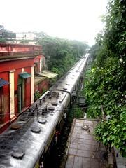 Railway by Strand Road, Kolkata (bodythongs) Tags: road bridge india west strand train canon railway august ixus kolkata bengal calcutta howrah bodythongs