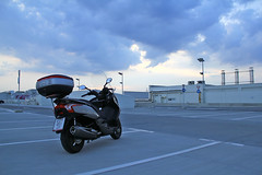 Waiting for a storm (Cortez_CRO) Tags: storm downtown croatia getty 300 abs kymco portanova dt300