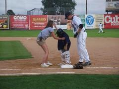 (mestes76) Tags: people sports minnesota kids race children 22 baseball strangers duluth firstbase duluthhuskies wadestadium 081311 adamhumes