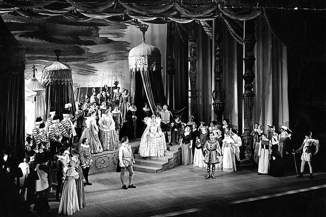 Members of the Covent Garden Opera Company performing in Gloriana 1953 © Roger Wood/ROH 1953