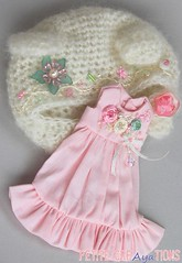 (Aya_27) Tags: flower floral dress handsewn mywork blythe petite bearhat inhand limitedset creayations