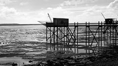 déclinaisons de carrelets en 8 vues..... (peu présente...ailleurs !) Tags: noiretblanc bleu ciel yves pêche océan carrelet charentemaritime