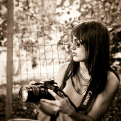 2016-07-30_03-44-49 (jessy.printz) Tags: noiretblanc blackandwhite blackandwhitephotography portrait portraitdefemme womanportrait naturallight lumirenaturelle