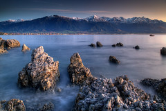 Kaikoura Dawn (hapulcu) Tags: newzealand southisland canterbury kaikoura beach dawn ocean pacific sunrise winter