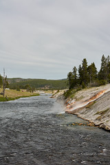 DSD_1466 (pezlud) Tags: yellowstone nationalpark landscape geyserbasin grandprismaticspring midwaygeyserbasin geyser park
