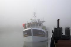 aus dem Dunst (Knarfs1) Tags: harbour port hafen schiff nebel dust fog normandie portenbessin france mood fisherman boat ship