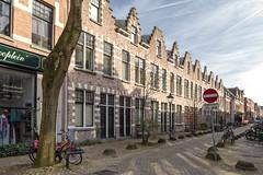 Waterloostraat in Rotterdam (R. Engelsman) Tags: architecture houses house building street waterloostraat kralingen rotterdam rotjeknor 010 nederland netherlands holland straat bricks road outdoor woningen