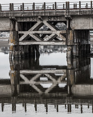 IMG_4701 (roseyposey2009) Tags: napier ahuriri old bridge napierahuririboats