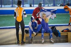 A37W7077 (rieshug 1) Tags: speedskating schaatsen eisschnelllauf skating nkjunioren knsb nkjuniorenallroundafstanden afstanden allround 50010001500massstart demeent alkmaar sportcomplexdemeent juniorenc ladies dames 500m