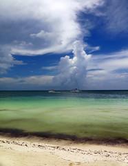 Clouds over Cayo Blanco (Robyn Hooz) Tags: playa cayo blanco white sand sabbia green verde cuba nuvole clouds mare sea blue blu vacanza holiday