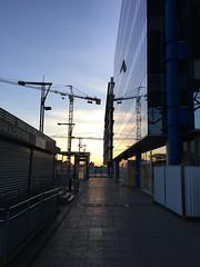 Rennes Streets sunset - atana studio (Anthony SÉJOURNÉ) Tags: rennes bretagne brittany ille et vilaine shop boutique rues streets sunset grue cran babyfoot bains caddie sit wedding cake figure atana studio anthony séjourné