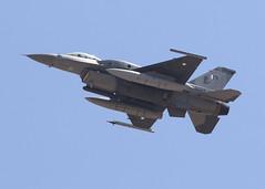 10904_F-16C_PAF_KLSV_1466 (Mike Head - Jetwashphotos) Tags: lockheed gd generaldynamics f16c fightingfalcon viper paf pakistanairforce 5squadron redflag redflag164 lsv klsv nellisafb desert desertsouthwest us usa america dry hot pleasant