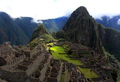 Machu Picchu. (Gerry077) Tags: peru latinoamerica green verde clouds live vida incas