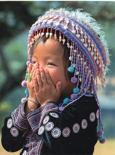 Comme un Voyage 14184. Hmong little girl, Chiang Mai Province, Thailand.