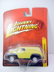 JOHNNY LIGHTNING 1950 CHEVY PANEL DELIVERY YELLOW (1) (jadafiend) Tags: scale kids toy army buick model police ambulance chevy 164 dodge chrysler 20 adults tomy collector volkswagon diecast vantastic johnnylightning 1970fordmustangboss429 1965mustang22fastback 1950chevypaneldelivery 1981chevycitation 1957chevyhearse 1957buickcustom sgtrickbrowns1955chevy 1979internationalscoutii 1965volkswagentransporter 1957chevyambulance 1950chevysuburbanmedic