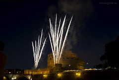 "Castel Sant'Angelo, fuochi d'artificio • <a style=""font-size:0.8em;"" href=""http://www.flickr.com/photos/89679026@N00/7471680006/"" target=""_blank"">View on Flickr</a>"