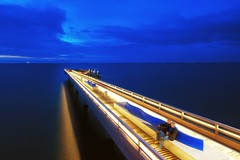 Blaue Stunde am Meer (dubdream) Tags: ocean longexposure bridge sea seascape water night germany landscape pier nikon balticsea ostsee schleswigholstein d800 seebrcke colorimage dubdream seebrckeheiligenhafen pieratheiligenhafen