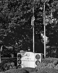 Collierville Tennessee (bhophotos) Tags: blackandwhite bw usa film geotagged nikon memorial tn kodak tennessee flag f tmax400 50mmf14 collierville veteransmemorial ftn nikkorsauto bwfp bruceoakley