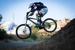 Bici descenso 1 (Mario_TT) Tags: mountain bike photography photo jump spain nikon photographer air mountainbike professional biker malaga intheair mondraker bikejump d5300 mariotorres
